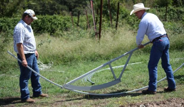 hoophouse-bending-hoop