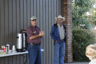 David Redhage (l) and Will Lathrop open the October 2015 grazing workshop.